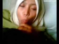 ca0d3f185221777 Cikgu Bertudung Blowjob Skandal (3GP Video)